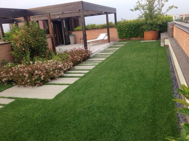 Terriccio per giardini pensili nei tetti e nei balconi di for Quanto costa un impianto di irrigazione per giardino